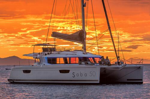 Sail Catamaran : Power Catamarans vs Sail Catamarans